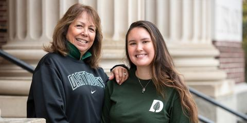 Mother and daughter on steps at Dartmouth college